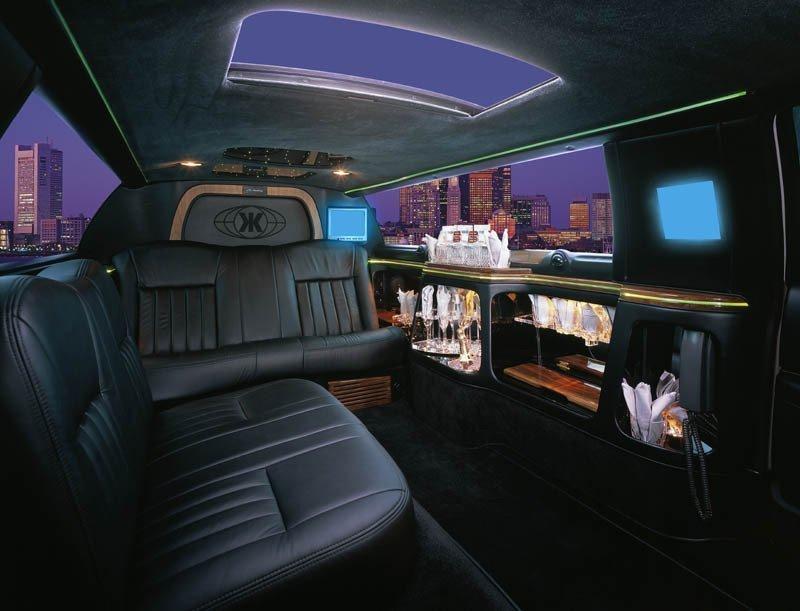 stretch limousine brooklyn