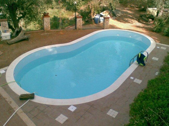 Installazione di piscina privata a Savona