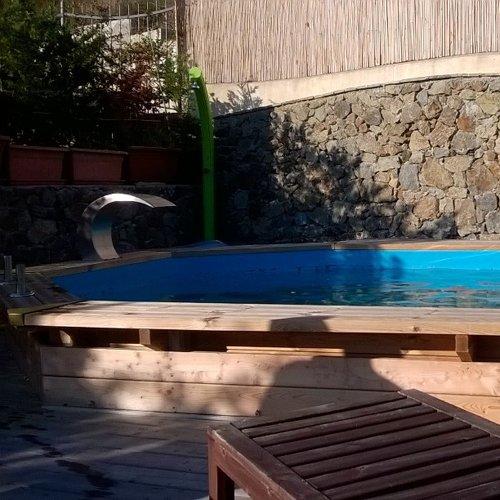 Piscina privata in provincia di Savona
