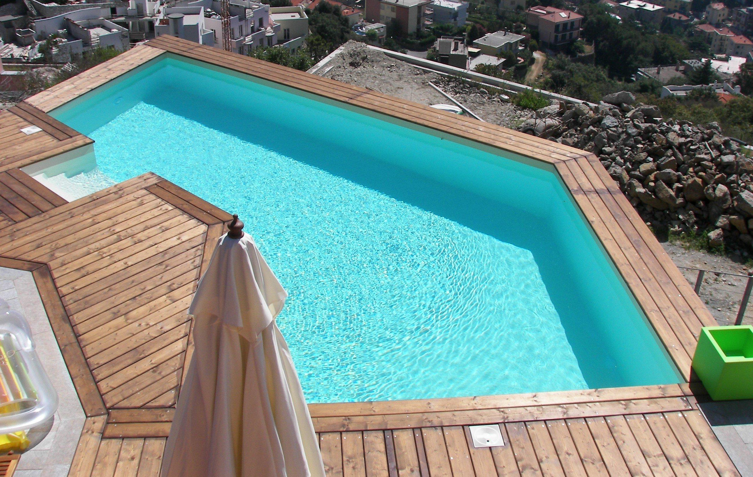 Gervasio piscine piscine e accessori savona sv for Riparare piscina