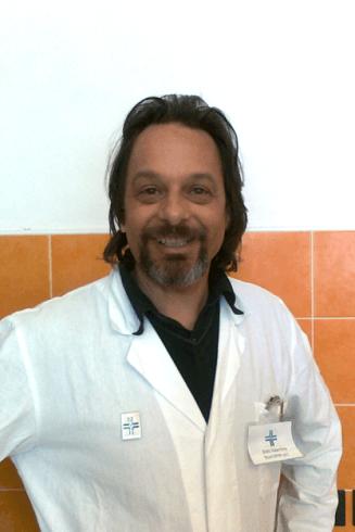 Dottor Boni Valentino: aree di maggior interesse: chirurgia dei tessuti molli, ortopedia, ecografia ed ecocardiografia.