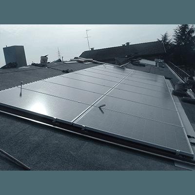 Pannelli su tetto in cemento