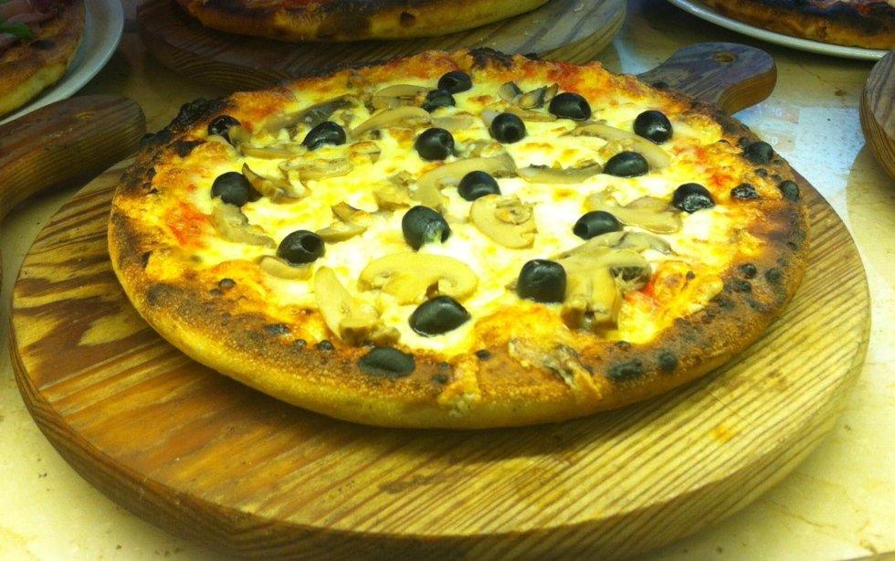 Pizza con olive
