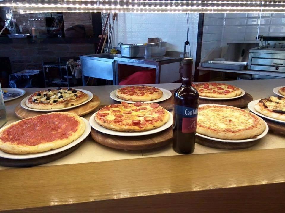 pizza con forno a legno