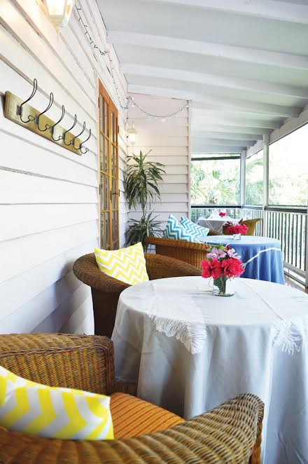 Seating arrangement on the deck
