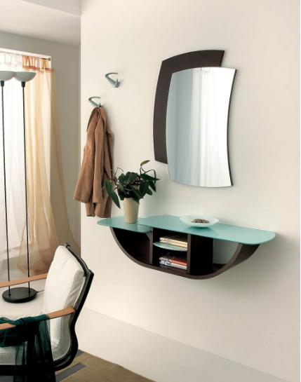 Specchio e piano a parete minimal