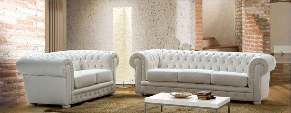solotto con divani bianchi tradizionali
