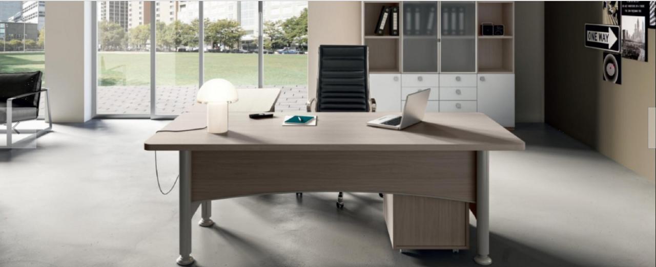 scrivania  in legno moderna