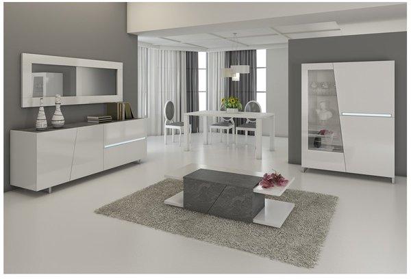 sala grandi dimensioni color bianca