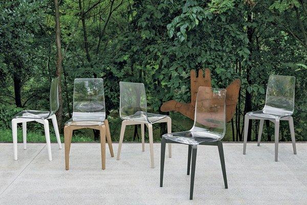 sedie da esterni con schienale trasparente