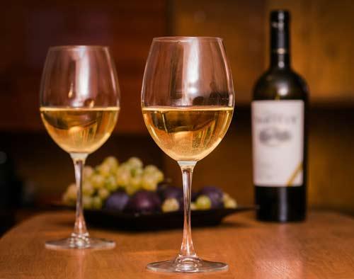 Vino- bianco-di- qualità-tradizione- Lazio