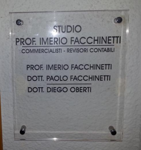Lo Studio Prof. Imerio Facchinetti include professionisti e revisori contabili che ti aiuteranno nella redazione del bilancio.