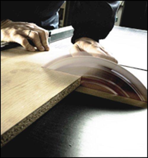 taglio di pannello in legno