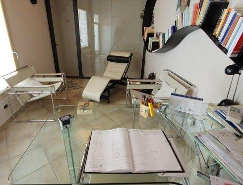 scrivania psicologa