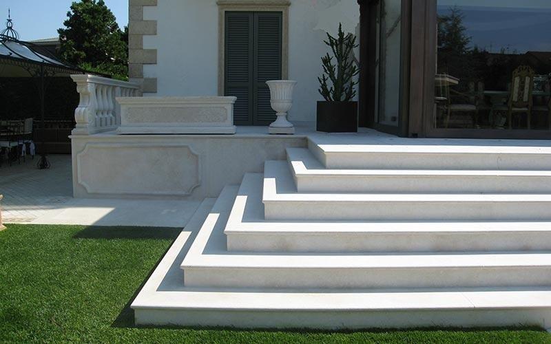 Rivestimenti esterni in marmo bergamo trapattoni marmi - Rivestimenti scale esterne ...