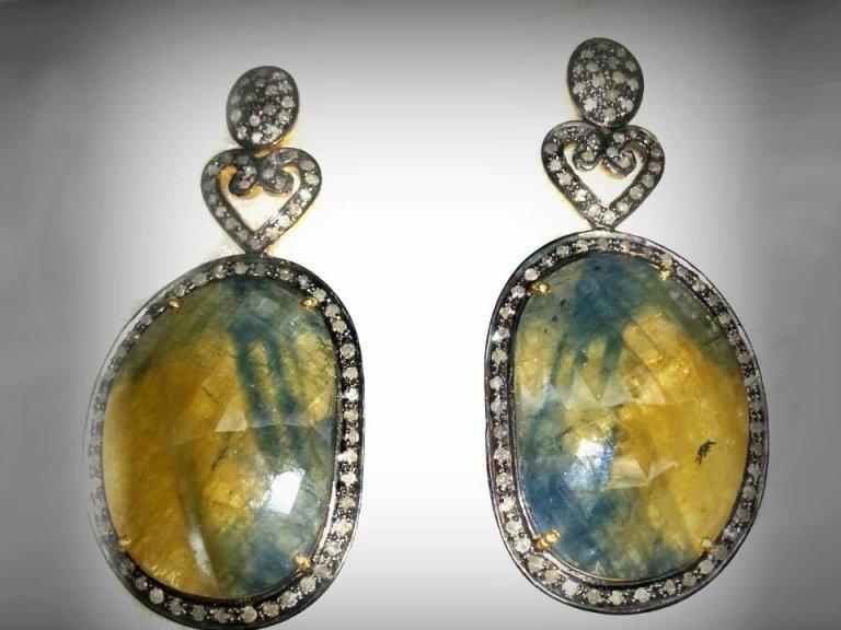 orecchini-in-argento-con-diamanti-e-corindoni-naturali-giallo-e-blu