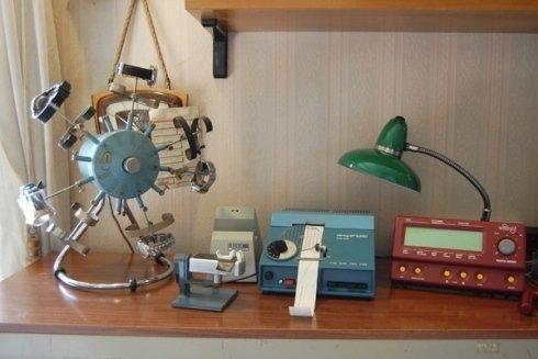 strumenti per manutenzione e riparazione di orologi