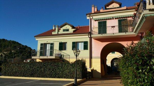 visuale casa d 1 residenza le magnolie molino nuovo andora liguria vendita