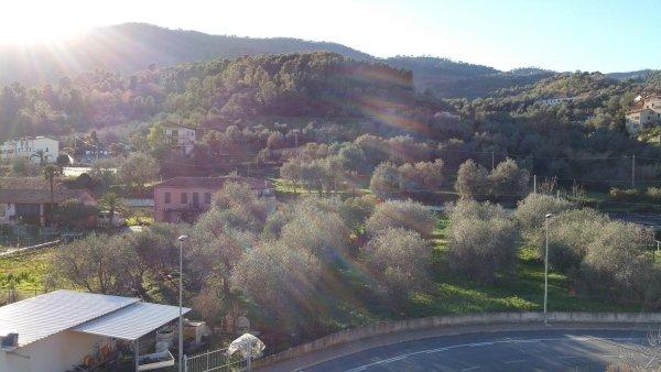 d4 int 16 trilocale mansardato ultimo piano residenza le magnolie andora liguria vendita casa vacanza verde