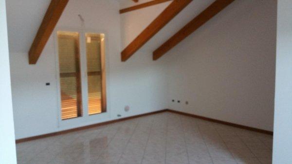 d4 mansarda alloggio trilocale residenza le magnolie casa vacanza molino nuovo andora soggiorno