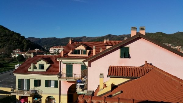 d4 mansarda alloggio trilocale residenza le magnolie casa vacanza molino nuovo andora bagno alloggio