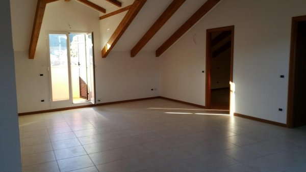 ampio soggiorno residenza le magnolie trilocale alloggio