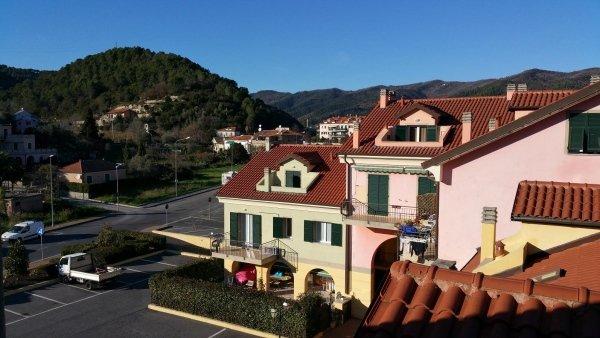 d4 mansarda alloggio trilocale residenza le magnolie casa vacanza molino nuovo andora complesso