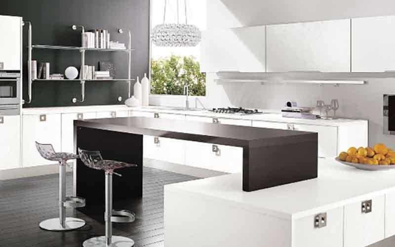 tavolo e mobili cucina