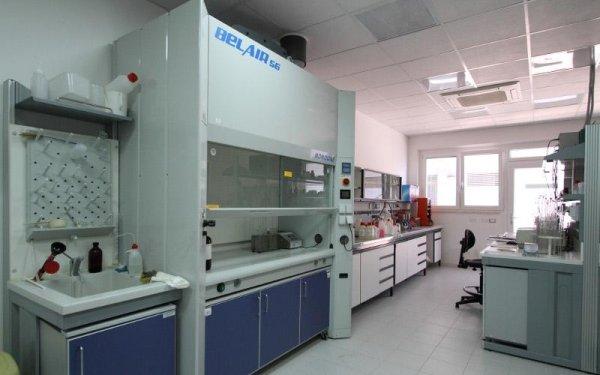 analisi chimiche in laboratorio