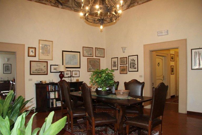 La sala di pranzo da un altro angolo