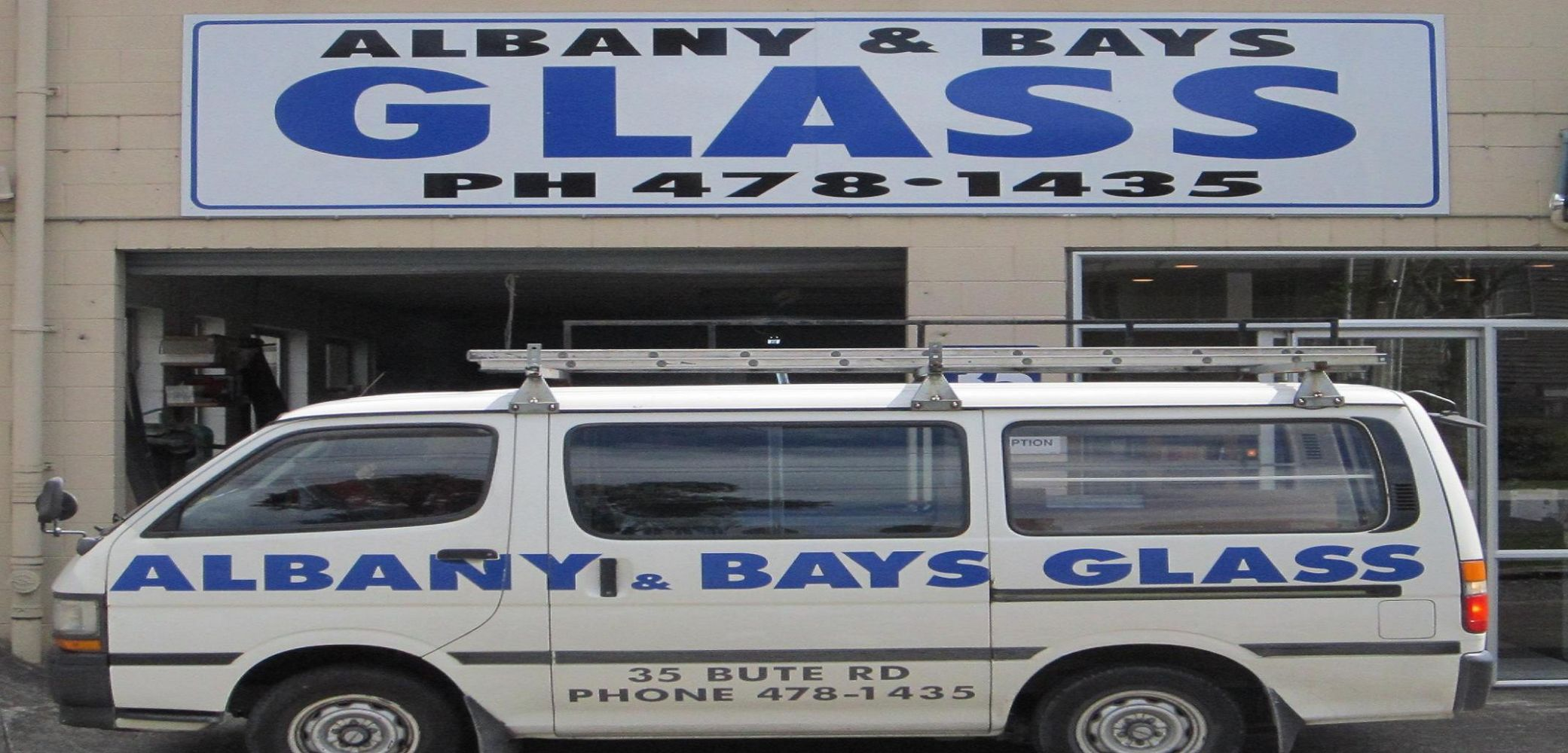 Glass specialists in North Shore City