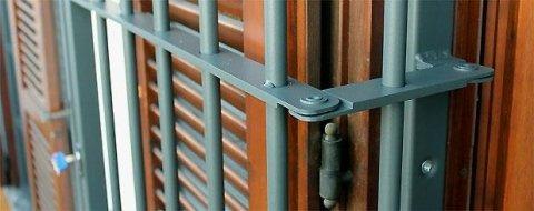 Cancelli e grate di sicurezza su misura milano sesto san giovanni cinisello cologno monzese - Cancelli di sicurezza per porte finestre ...