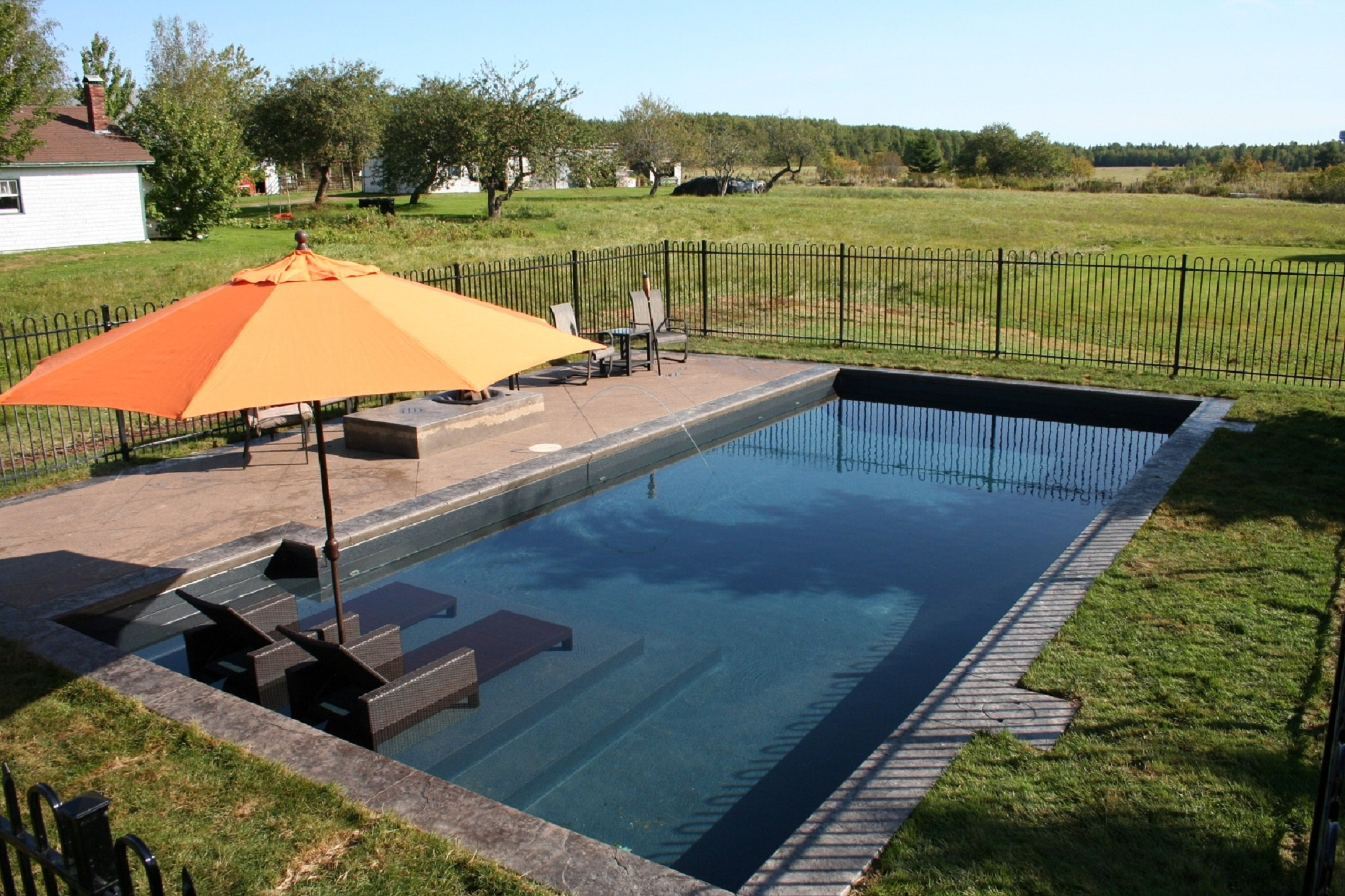 Pool Design Series Cantilever Coping