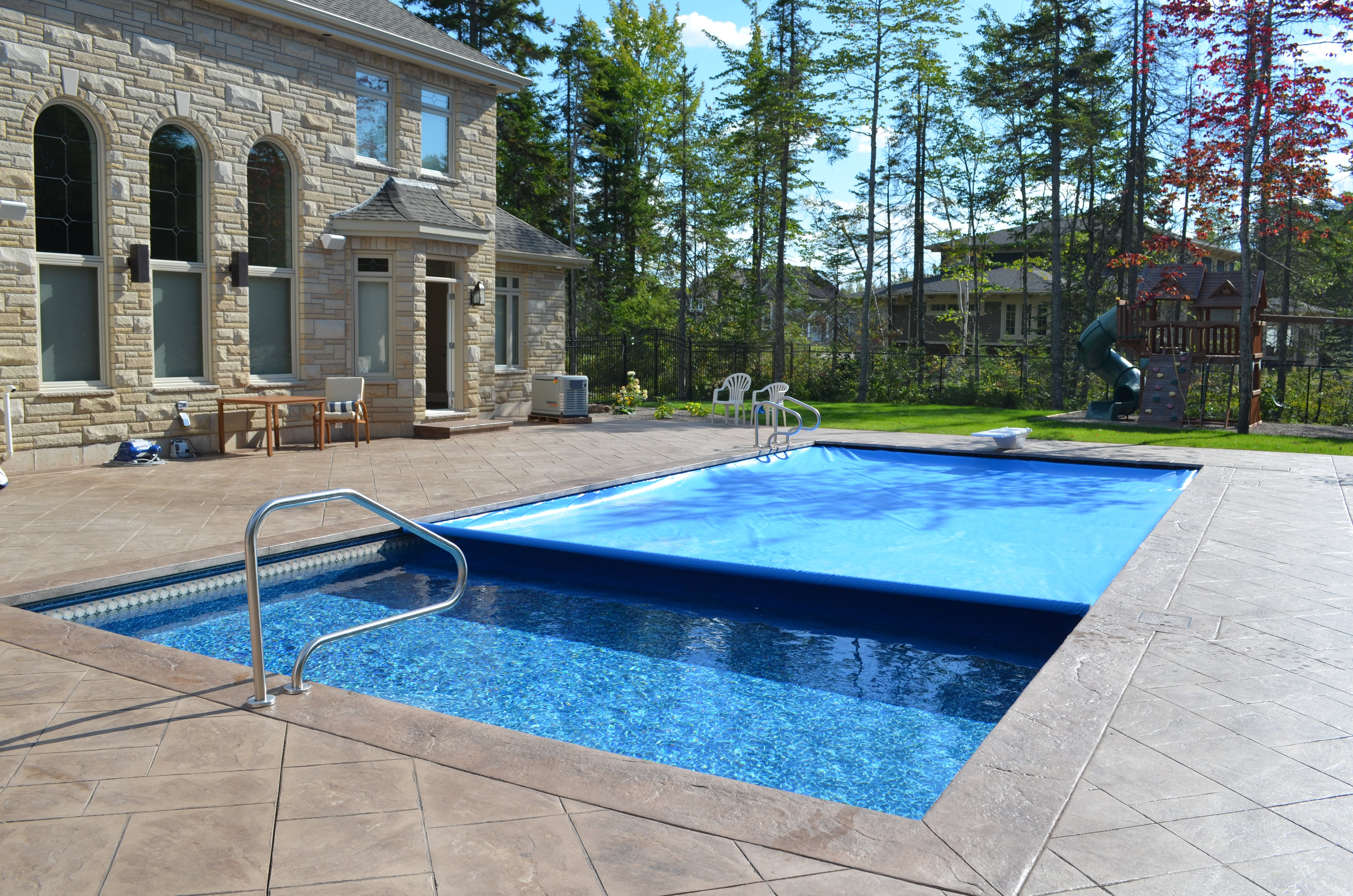 Advantages Of Automatic Safety Pool Covers