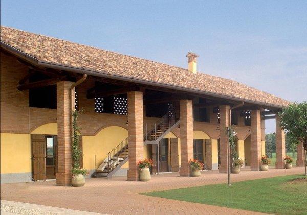 Elementi architettonici conegliano tv steccati forniture - Casa in muratura portante ...
