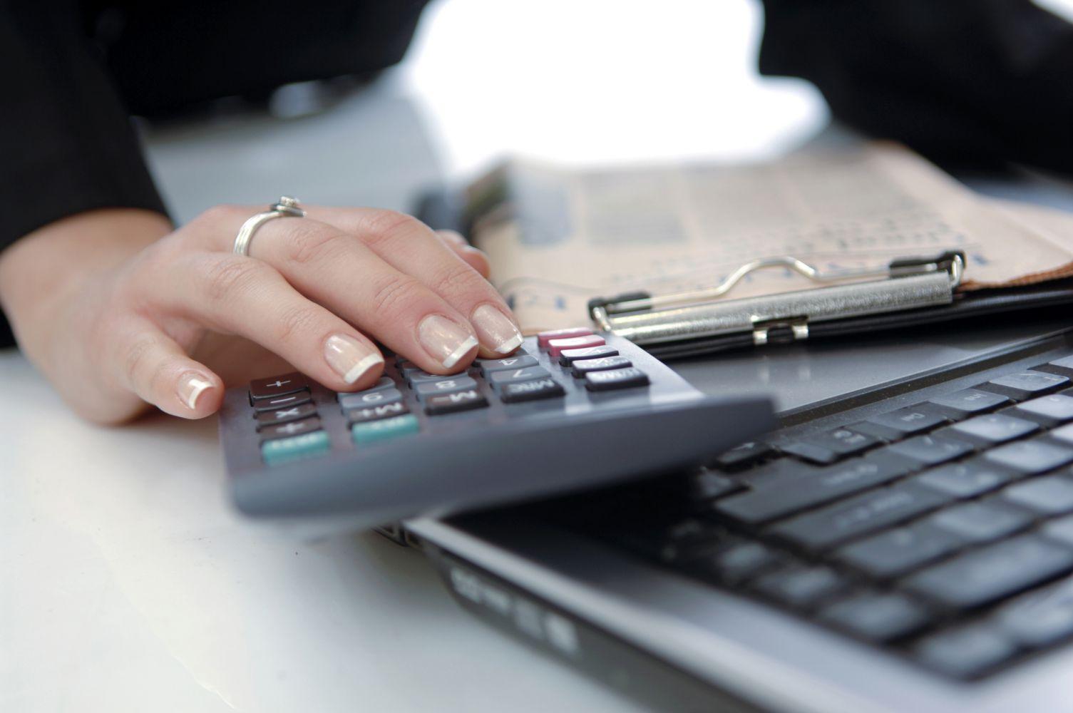 girl calcuting finances