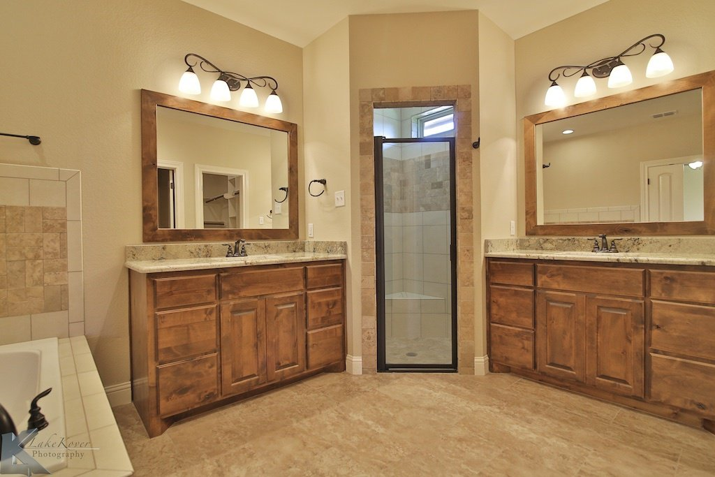 bathroom in a custom home built by Cornerstone Custom Homes in Abeline, TX