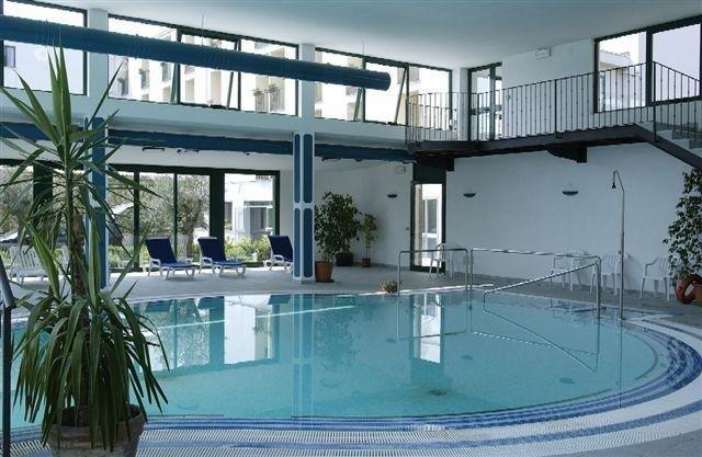 Piscine abano terme padova albergo termale san lorenzo for Abano terme piscine