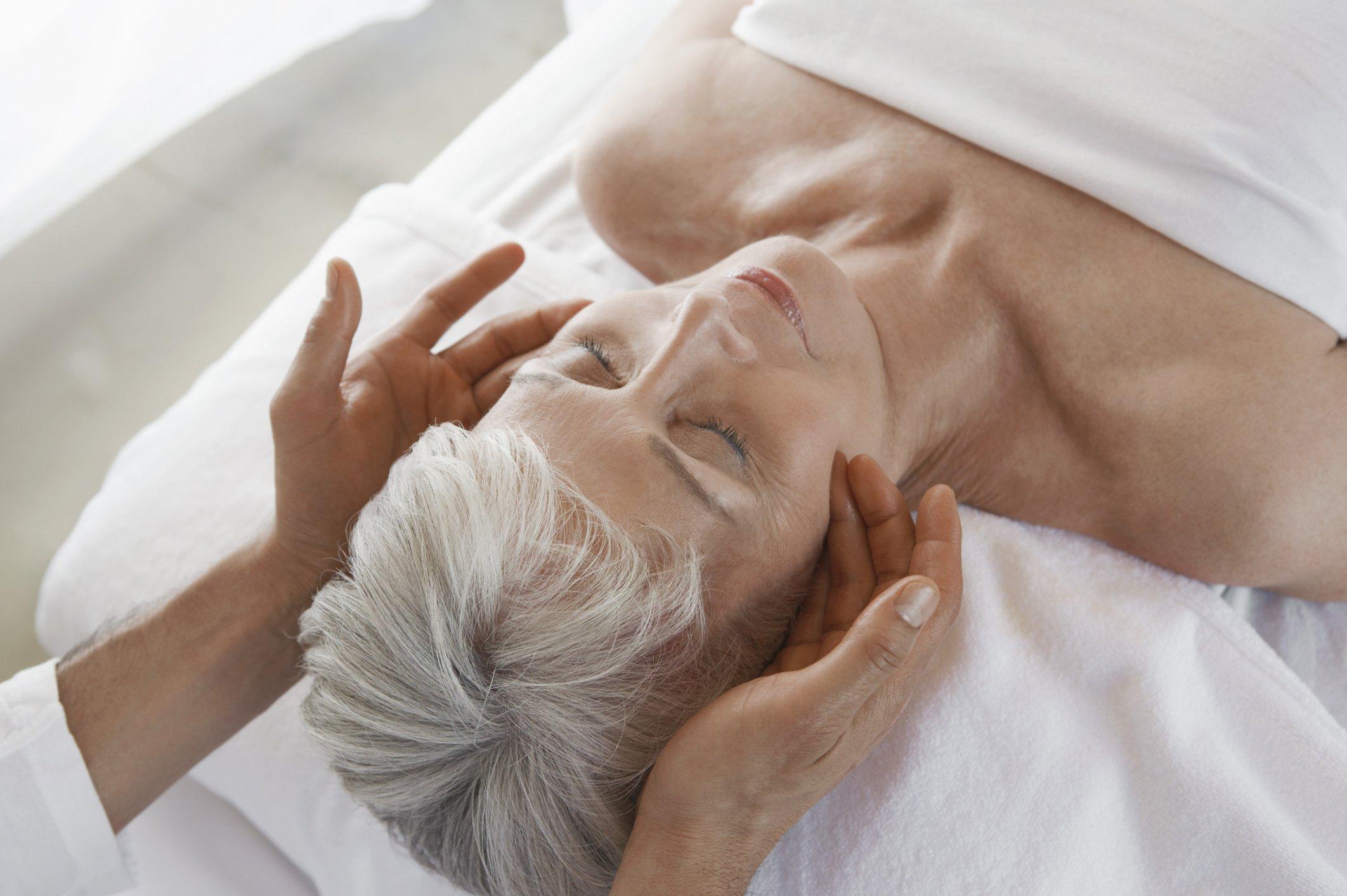 lymphedema old woman massage