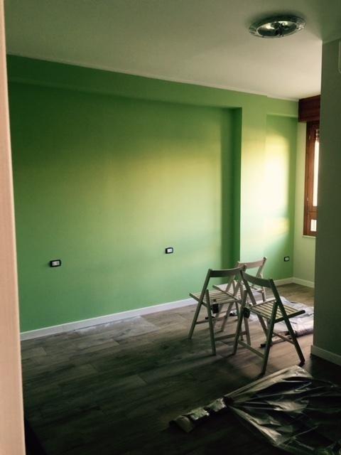 muro dipinto di verde