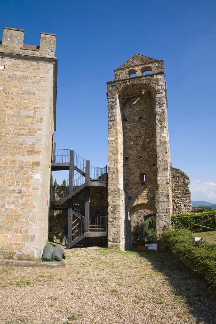 Torre antica in pietra