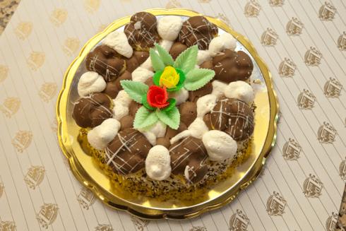 torta con bignè panna e cioccolato