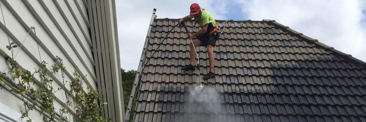 country wide roofing pty ltd specialist cleaning black roof with water