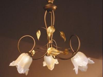 lampadari lavorazione fiore