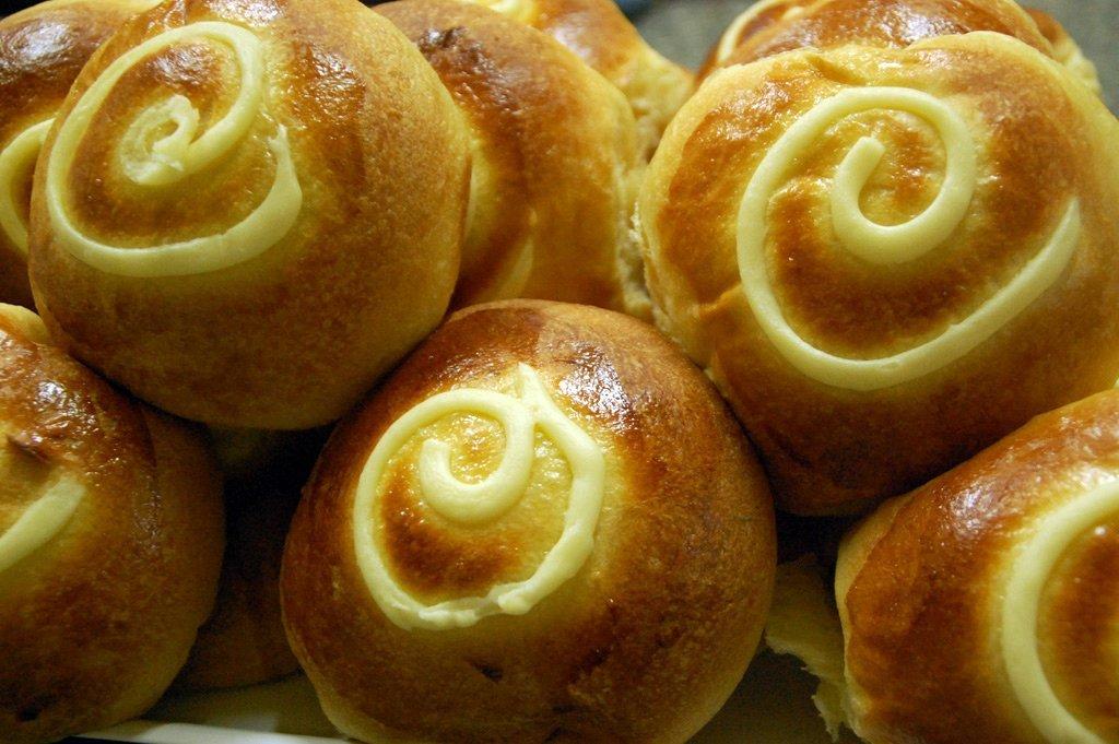 brioche siciliane con crema gialla