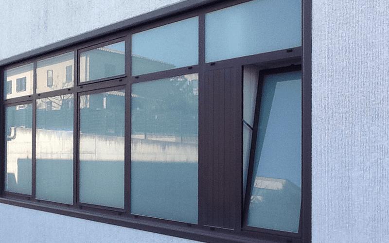 finestra vetro alluminio