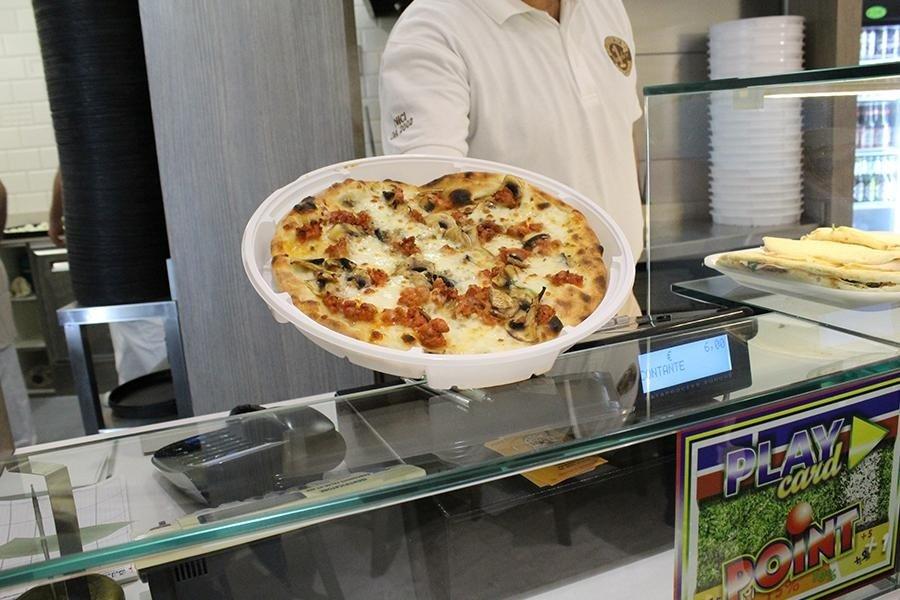 staff pizzeria
