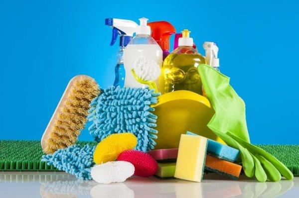 Prodotti e detergenti dell'impresa di pulizie Lady Clean