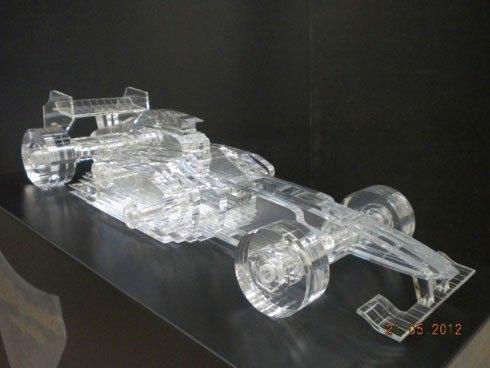 macchina formula 1 in plexiglass