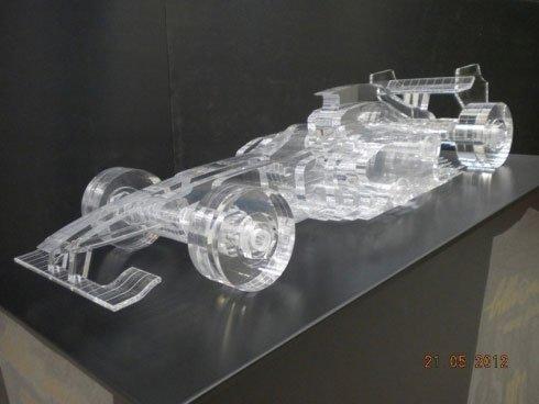vettura formula 1 in plexiglass
